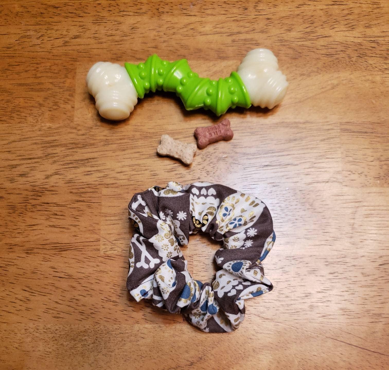Sugar skull scrunchie