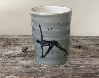 handmade ceramic mug on the potter's wheel turned in grey, yoga cups with asana motif Trikonasana, suitable for tea & coffee