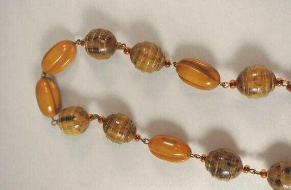Vintage, 1940's, Bakelite Necklace, Mustard Swirl… - image 4