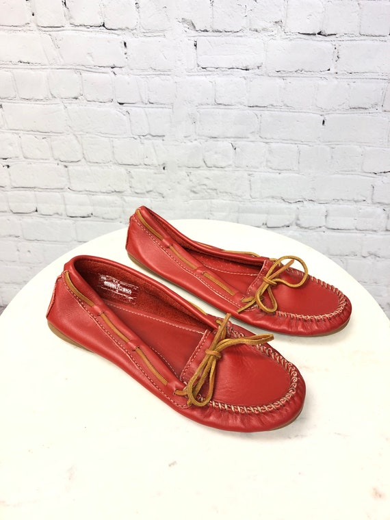 Vintage 1990s, MINNETONKA, Red Moccasins, Red Lea… - image 3