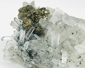 Quartz with Chalcopyrite Mineral Specimen Crystal Raw Crystals Natural Crystal 193g Sparkling Rare Clear Quartz with Chalcopyrite
