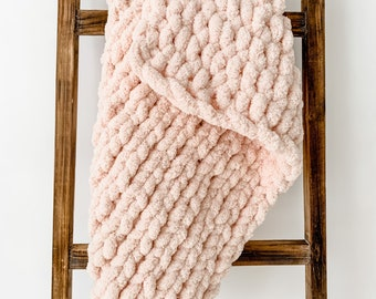 Light Pink Chunky Knit Blanket   Soft Chenille Hand-Knit Throw