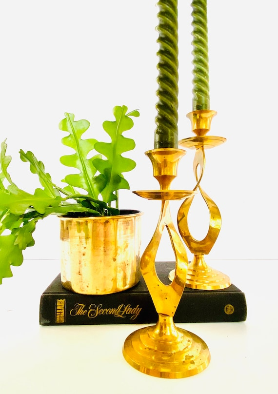 Pair of Vintage Mid-Century Twisted Brass Candlestick Candle Holders