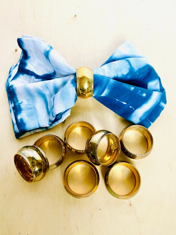 Set of 8 Vintage Mid-Century Modern Brass Napkin Rings