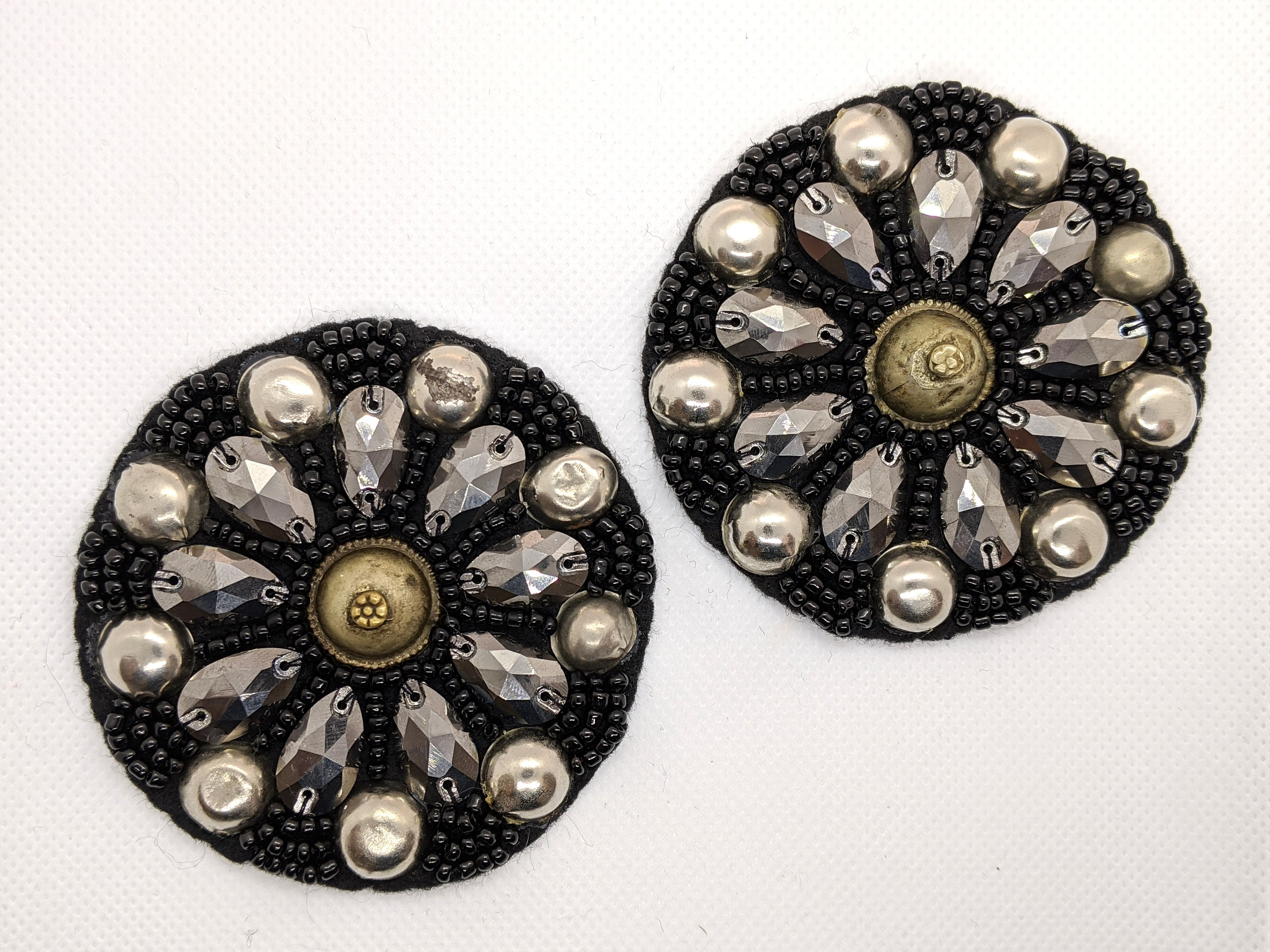 Barato De Alta Calidad Black silver beaded tribal medallions diy decoration 1X1Tsc