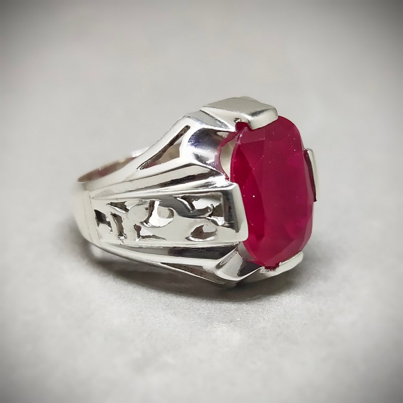 Fancy Fashionable 6 Carat Blood Red Ruby Ring Eye-Catching lightweight Silver Ring Fancy Ruby Ring Fashionable Pure Silver Handmade Ring
