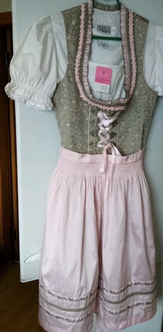 Austrian Dirndl dress / pastel folk dress / Oktobe