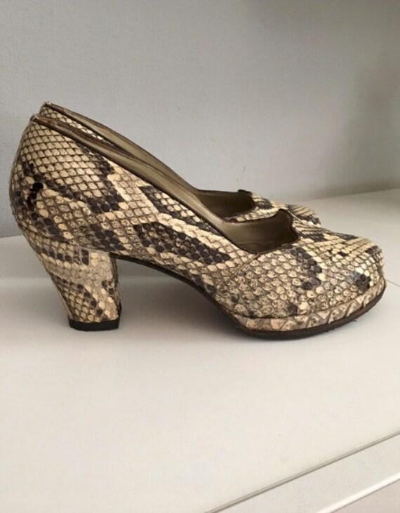 Vintage 60s 70s snake leather platform shoes size