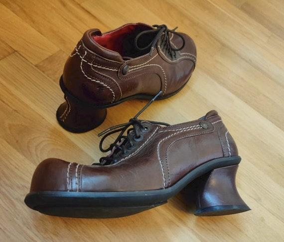 Vintage Tiggers shoes / vintage brown leather shoe