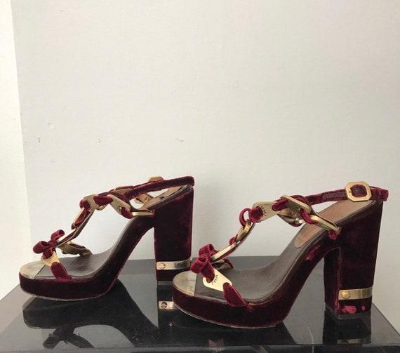 Marc Jacobs velvet heels
