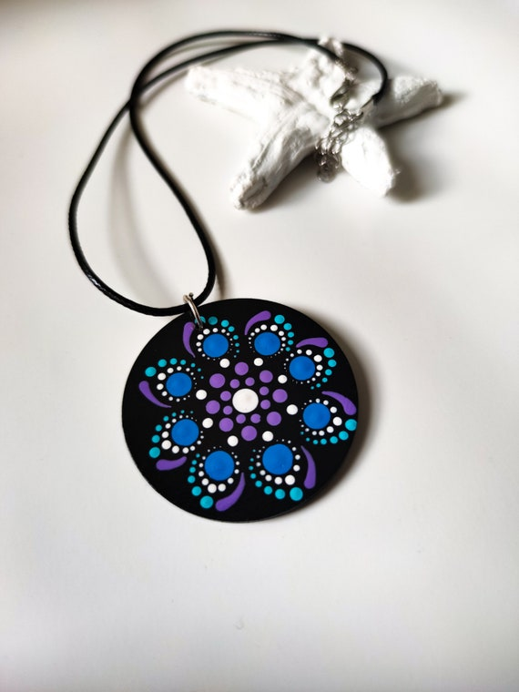 Adjustable ring with hand painted mandala in dot painting