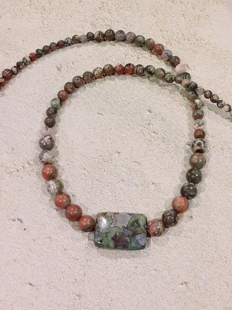 OMJN116 Necklace Graduated rhyolite