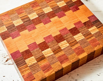 Square cutting board with checkered pattern