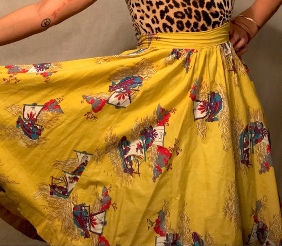 Rare 1950s Novelty Print Circle Skirt || Unique As