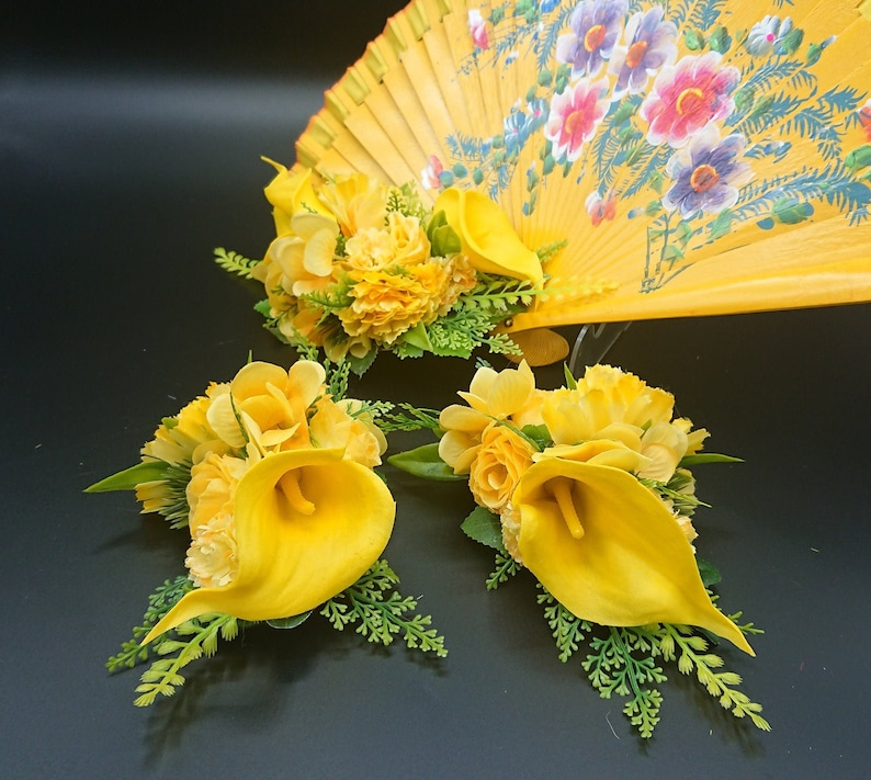 corsage  hand fan 1940s 1950s Yellow flowers hair clip hairpiece