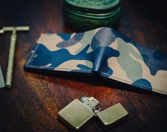 Italian leather camouflage wallet. Black Italian leather interior. 100% hand made. Hand sewn. Rugged Wallet. Card Wallet. Cash wallet.