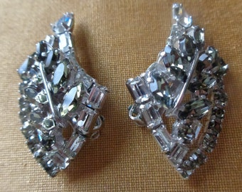SHERMAN, clear and light gray crystals, clip on earrings