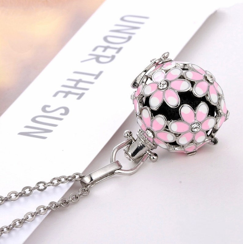 Daisy Wish Locket Aromatherapy Diffuser Angel Caller Necklace