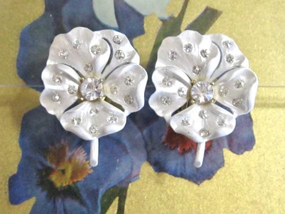 Shimmery Pearl White Enamel Pansy Flower Earrings