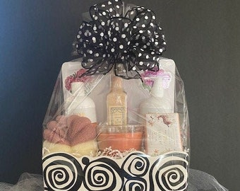 Deluxe Spa Gift Basket/Gift Basket/ Bath and Body Gift Basket