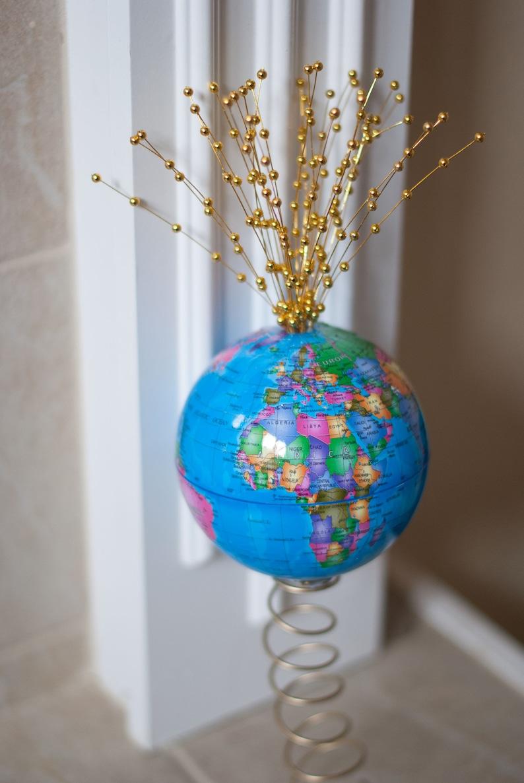 World Globe Christmas Tree Topper Gold image 0