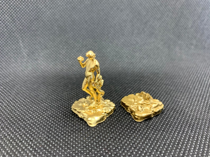 Cooper Island Statues and Ruins board game pieces image 0