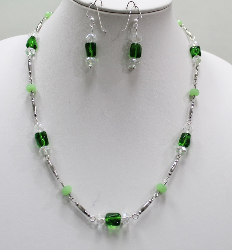 Clear 8mm Crystals Elegantly Simple Light Emerald Twisted Czech Glass Beads Silver and Peridot  Perfect for Christmas