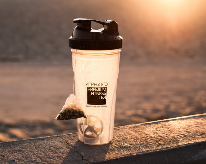 24 oz Gym Tumbler / Bottle, No Harmful BPA or DEHP, Fitness Sports Drink Tumbler, Shaker Included For Smoothies or Safe For Hot Tea Drinks !
