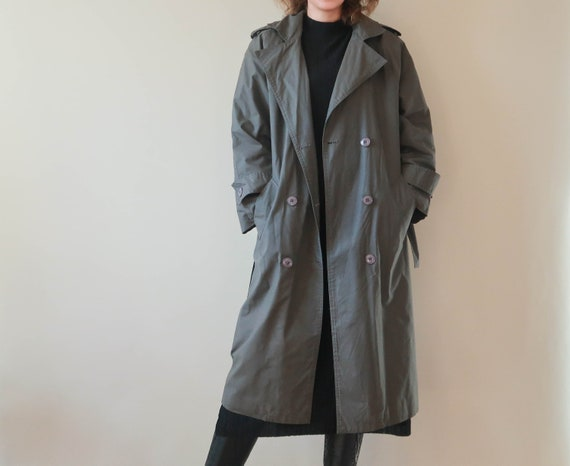 70s Raincoat ; Double-Breasted Trenchcoat ; Quilte