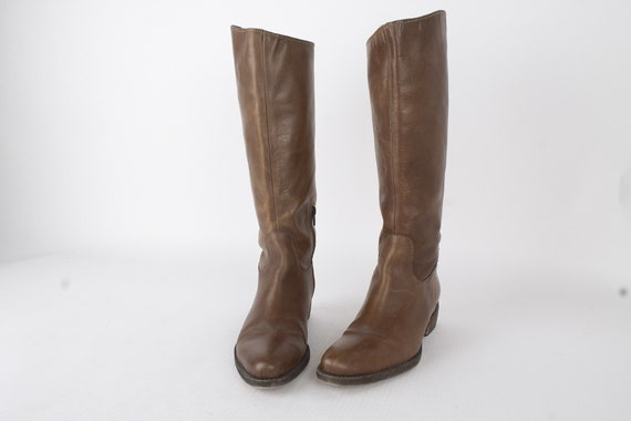 US8 Vintage Womens Boots of Fine Italian Leather /
