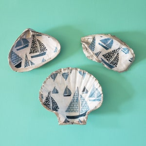 scallop OR oyster Hydrangea pattern decoupaged silver gilded shell in CHOICE of Atlantic surf clam