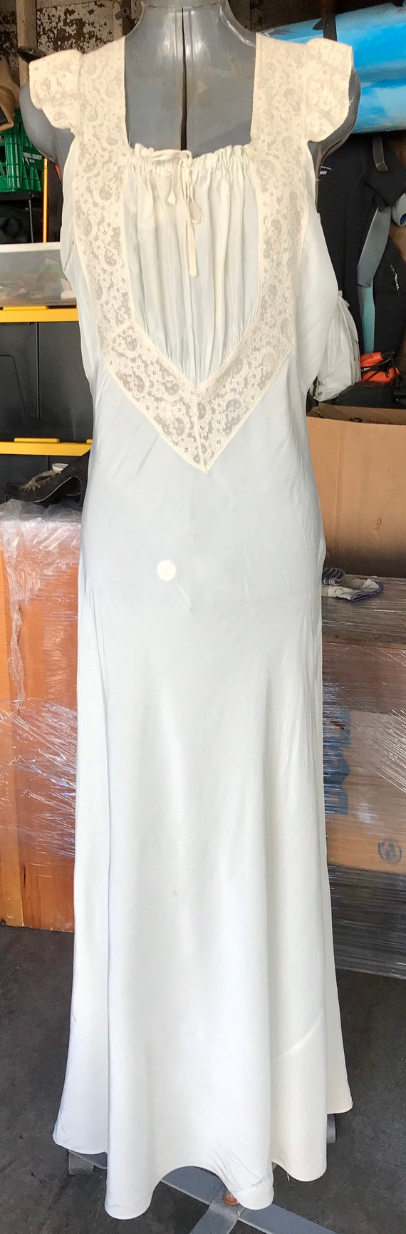 Vintage 40s Harlow style rayon satin nightgown
