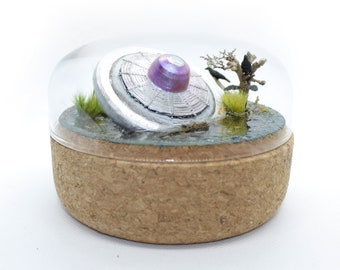 UFO crash landing diorama in glass bell jar / Miniature gray spaceship with black crows / perfect wedding gift for space and Sci-Fi lovers!