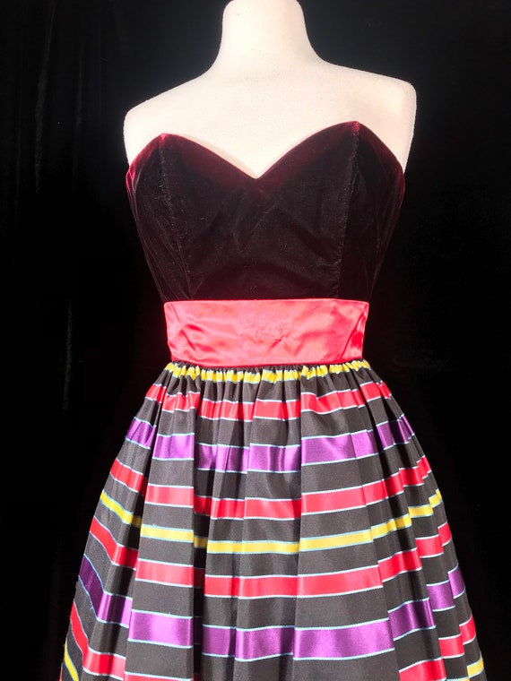Gunne sax 80's vintage strapless striped party dr… - image 2