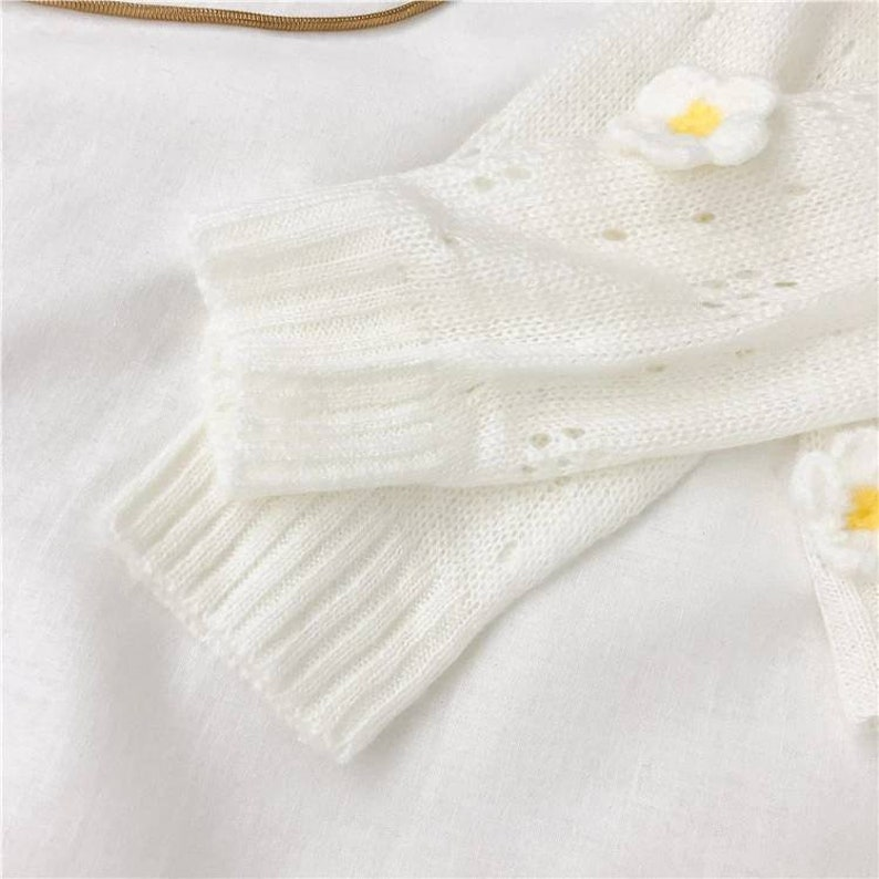 Blooming daisies kawaii pastel goth cardigan spring daisy flower floral print jumper