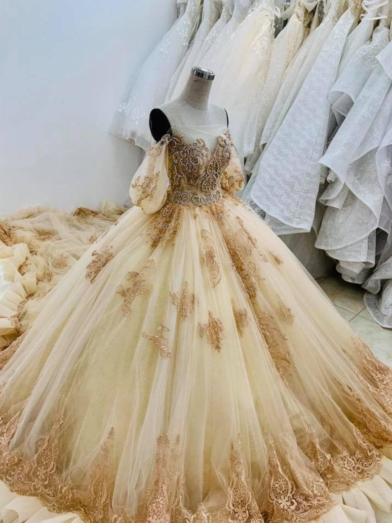 Prinzessin gelb/Gold Schönheit und das Tier Brautkleid auf Bestellung, Off  Shoulder Golden Princess Brautkleid für eine Fee Schwanz Hochzeit