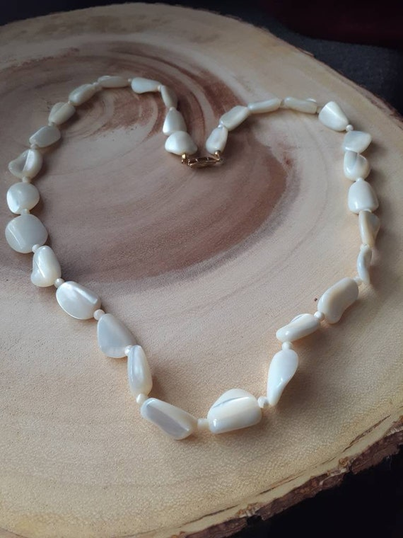 Vintage mother of pearl necklace, Retro pearls, 19