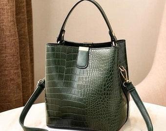 Women's Retro Croc Embossed Shoulder Crossbody Bucket Handbag