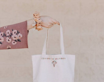 towel or blanket Belle Mouse embroidered tote bag makeup bag