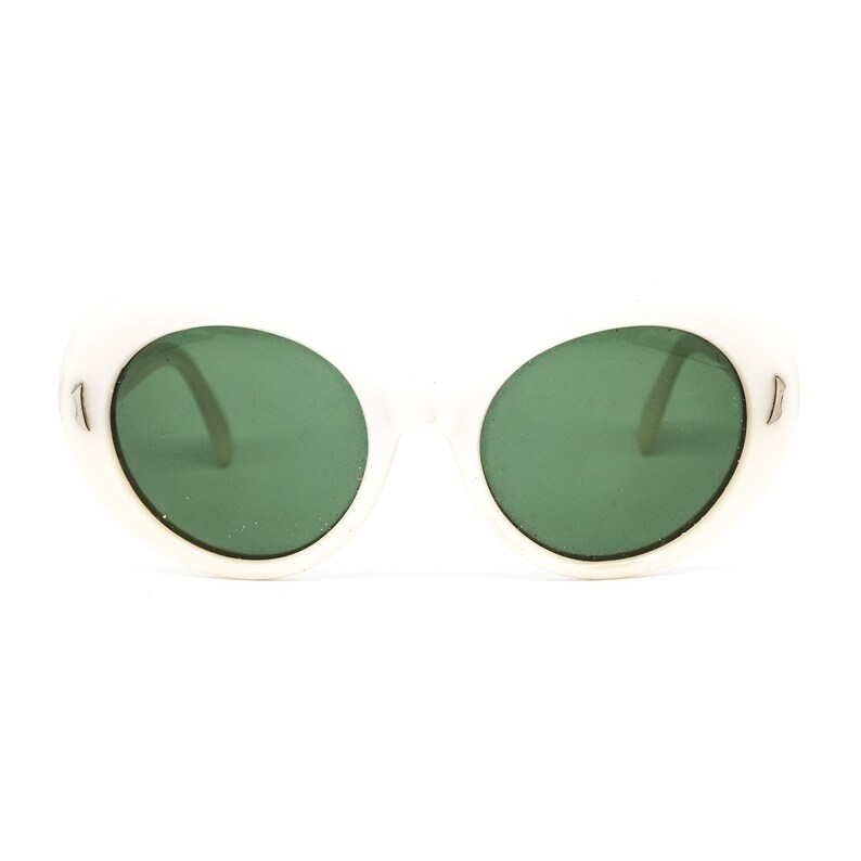 Vintage white acetate round sunglasses made in the 80s in good vintage condition NOS