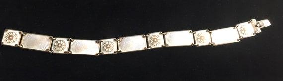 David Andersen, White Flower Bracelet