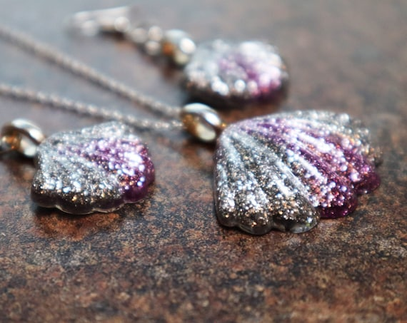 Glitter Galore - Silver and Purple Resin Shell Necklace and Earring Set
