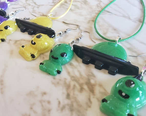 Alien and UFO - Earring and Necklace - Resin Necklace