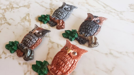 Owl Sitting On Branch Magnets - Halloween - Magnets made of resin