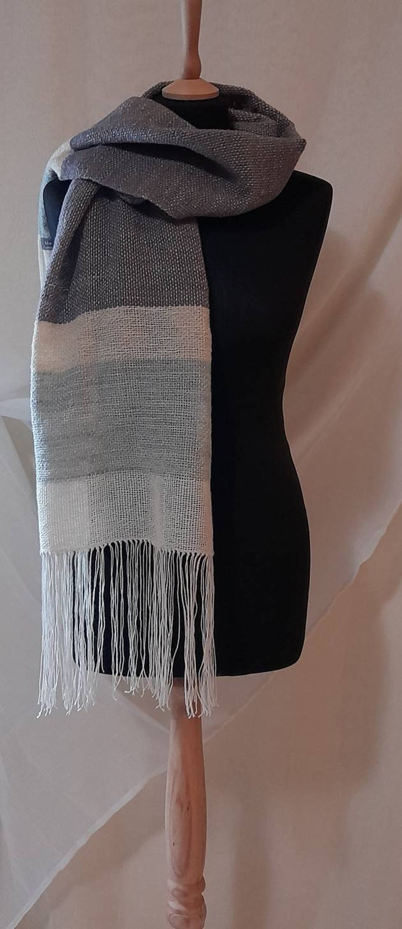 Cashmere scarf and wool from our farm In organic certification