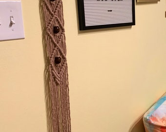 Beaded Diamonds Macrame Wall Hanging Accent in Oatmeal