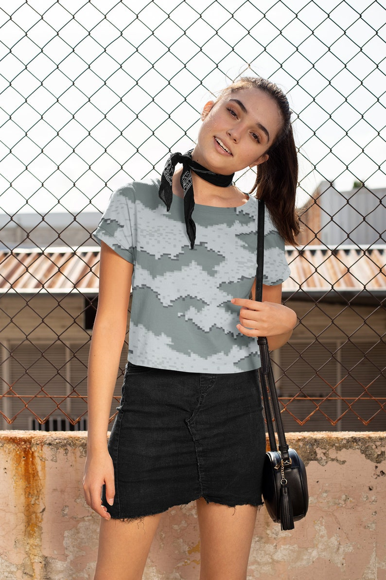Bridal Party T-shirt Womens Cropped Shirt Vintage Cropped Top Camouflage Crop Tees Activewear Top Crop Top for Women Cropped Tank Tops