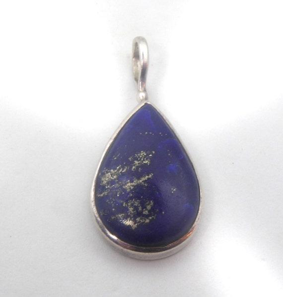 Vintage Sterling Silver & Lapis Lazuli Pendant.