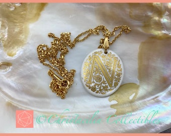 Vintage C Initial Silver Pendant Necklace 20 Inches by Avon E14