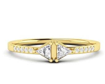 Trillion Diamond Stacking Ring, 14k Gold Diamond Wedding Band,Cluster Diamond Ring, Unique Triangle Diamond Ring, Rhombus Engagement Ring